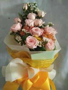 (15-10) 12 pcs. Pink Roses....Php1,200