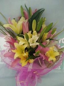 (15-7) 6pcs. Lilies....3,000