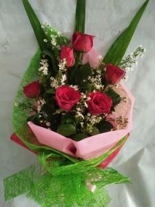 ( 15-1) 6pcs. Roses..Php750.00