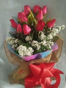 ( 15-2) 12pcs. Roses..Php1,200