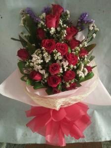 ( 15-3) 18pcs. Roses..Php1,800